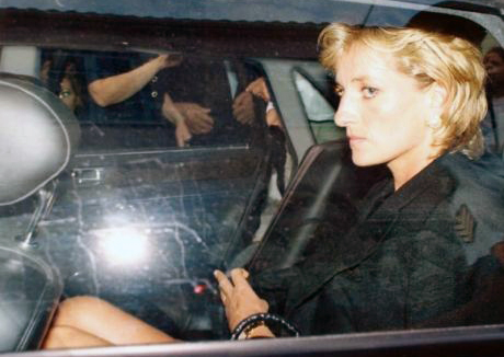 lady diana in the car