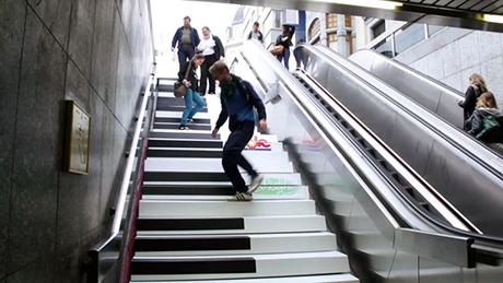 play metro roma