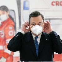 Sondaggio Dire-Tecnè: fiducia Draghi ancora in calo, crescono Conte e Letta